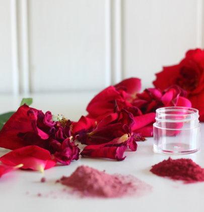 """Masque régénérant """"Comme une Ode à la Rose…"""""""